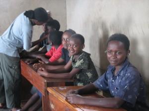I Danmark bruges NADA som støtte til voksenundervisning. Enkelte steder er man begyndt i samarbejde med forældre at tilbyde metoden til børn. I andre dele af verden har dette længe været almindeligt.
